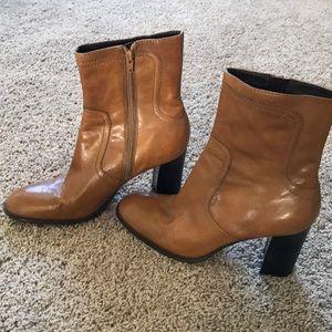 NINE WEST light brown/dark tan boots